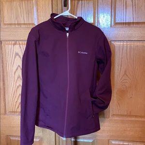 Ladies maroon Columbia soft shell jacket size xl